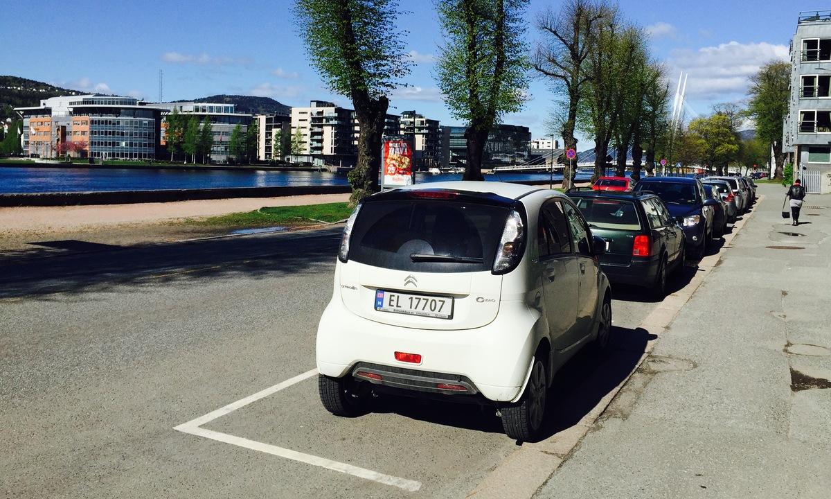 Drammen fortsetter med gratis elbilparkering
