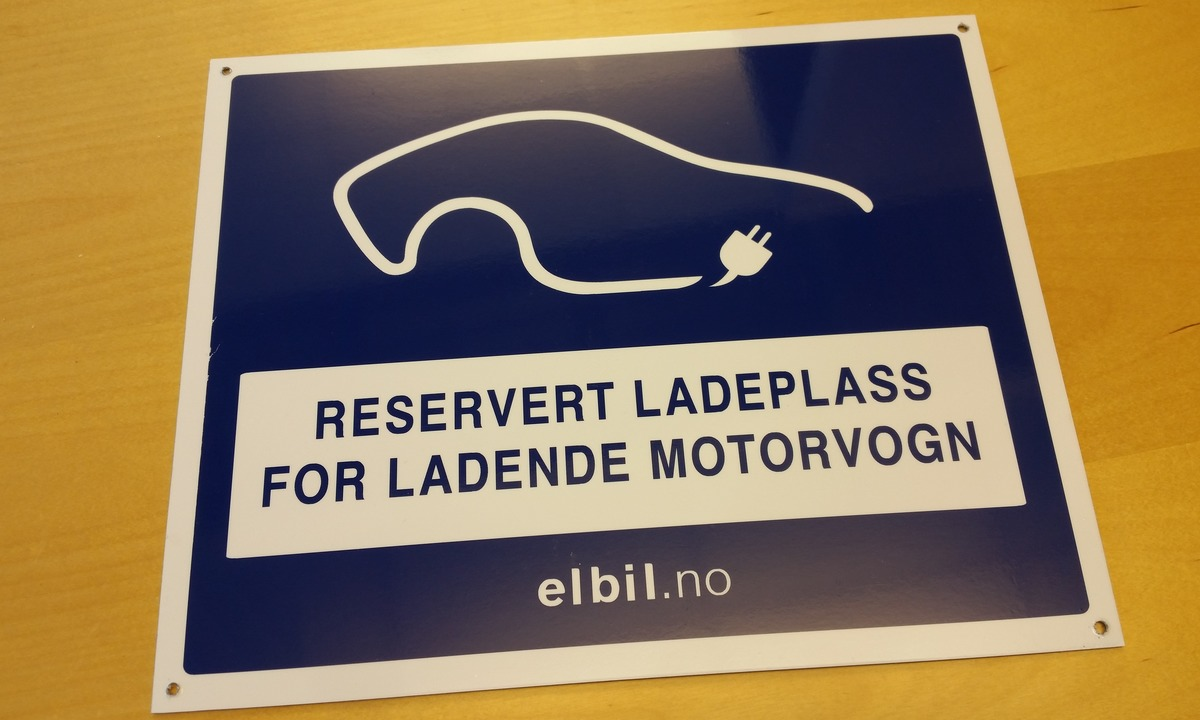 Skilt for reservert ladeplass
