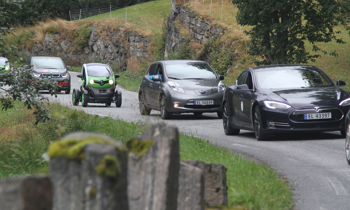 25,000 have watched our scenic EV video