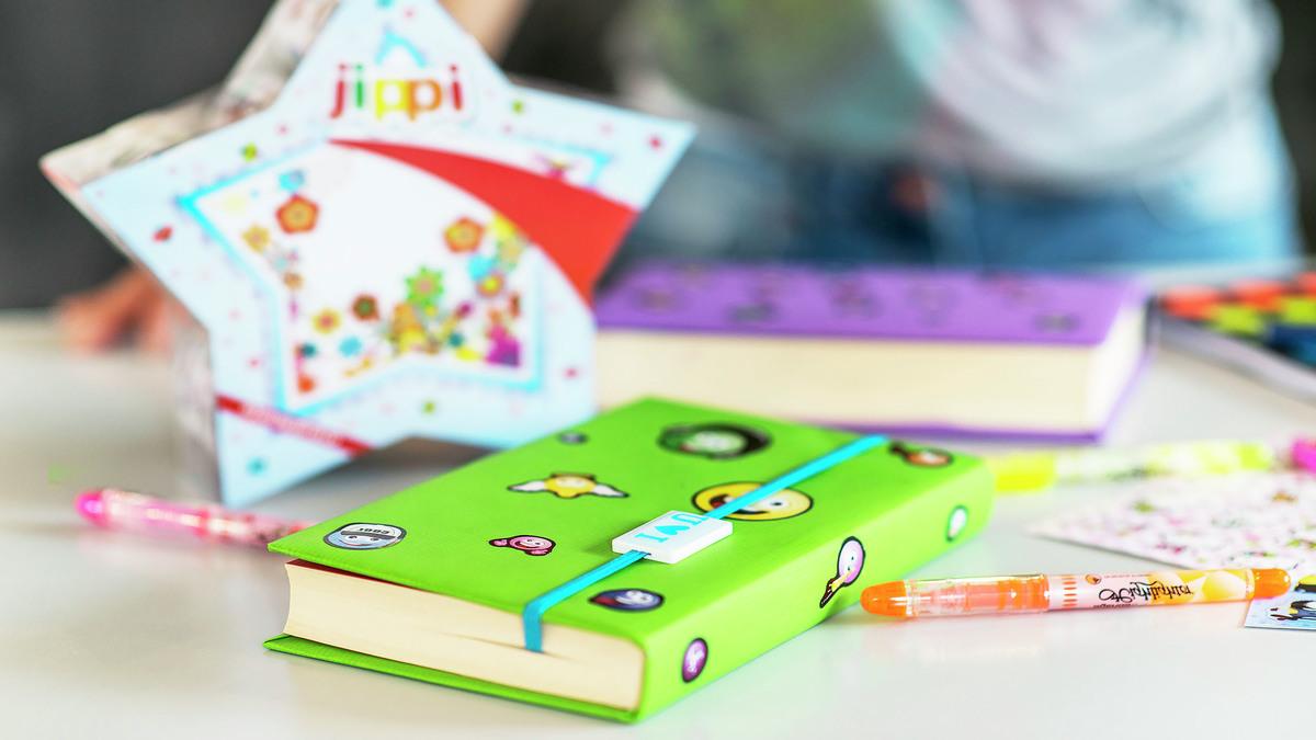 Bokomslag - pynta och skydda dina böcker