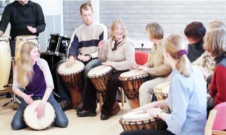 Fotgraf: Arild Reppen. Musikkterapistudenter i jubileumsåpret 2013.