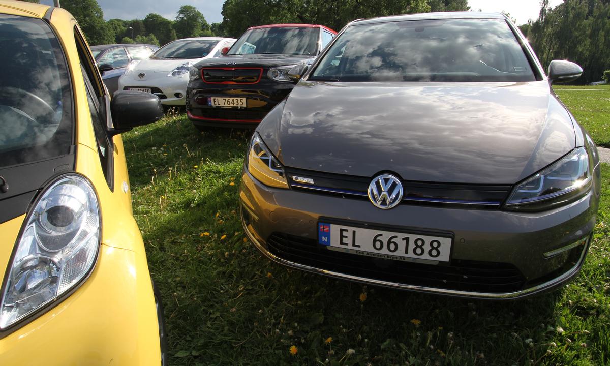 15 av 100 nye biler var elbiler