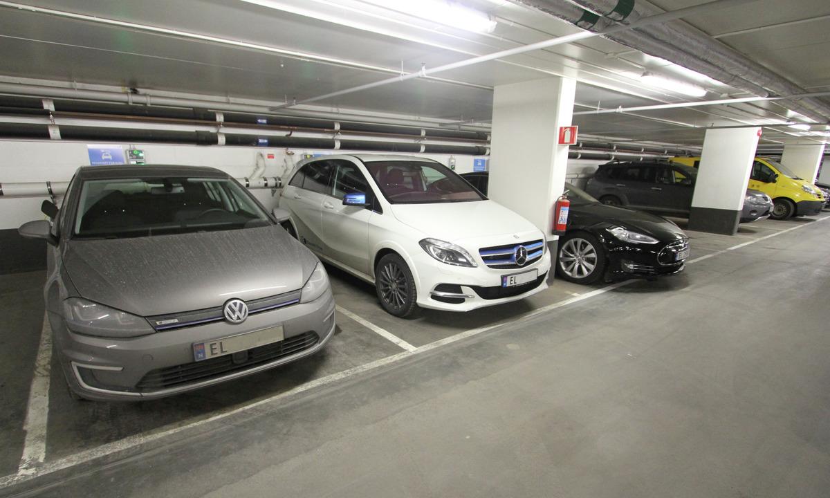DSB: – Ikke høyere brannrisiko i parkerte elbiler