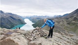 Never walk alone in the mountains in Norway, and remember to bring clothes in case of bad weather - Photo: Chris Arnesen - Visitnorway.com