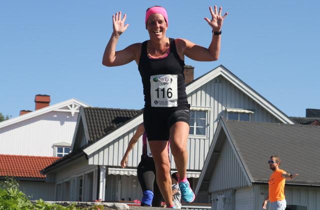 En sprudlende Esther Innselset i Fønixløpet i Brumunddal i august i fjor.