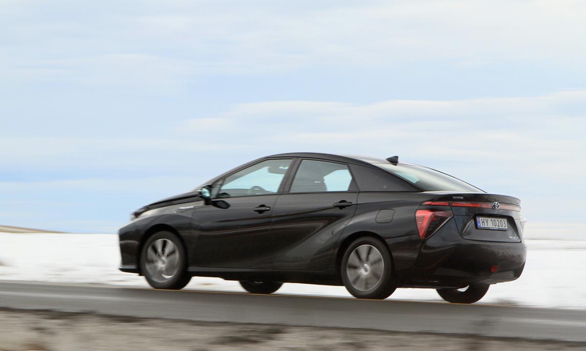 Test av Toyota Mirai: 1.000 kilometer på ti dager