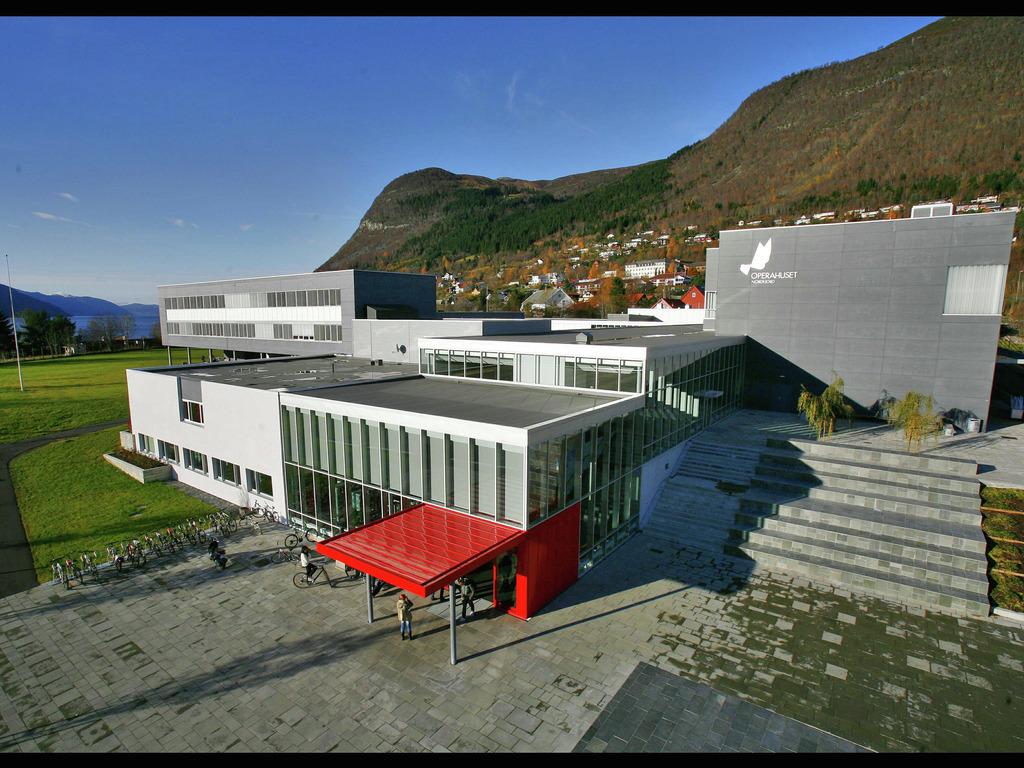 Miljøbyggkonferansen 2015 vert arrangert i operahuset på Eid 12. november. Foto: Øystein Torheim