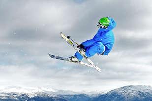 Ta toget til fjells om vinteren med Skibillett Voss, Myrkdalen og Geilo og spar penger på din skiferie.