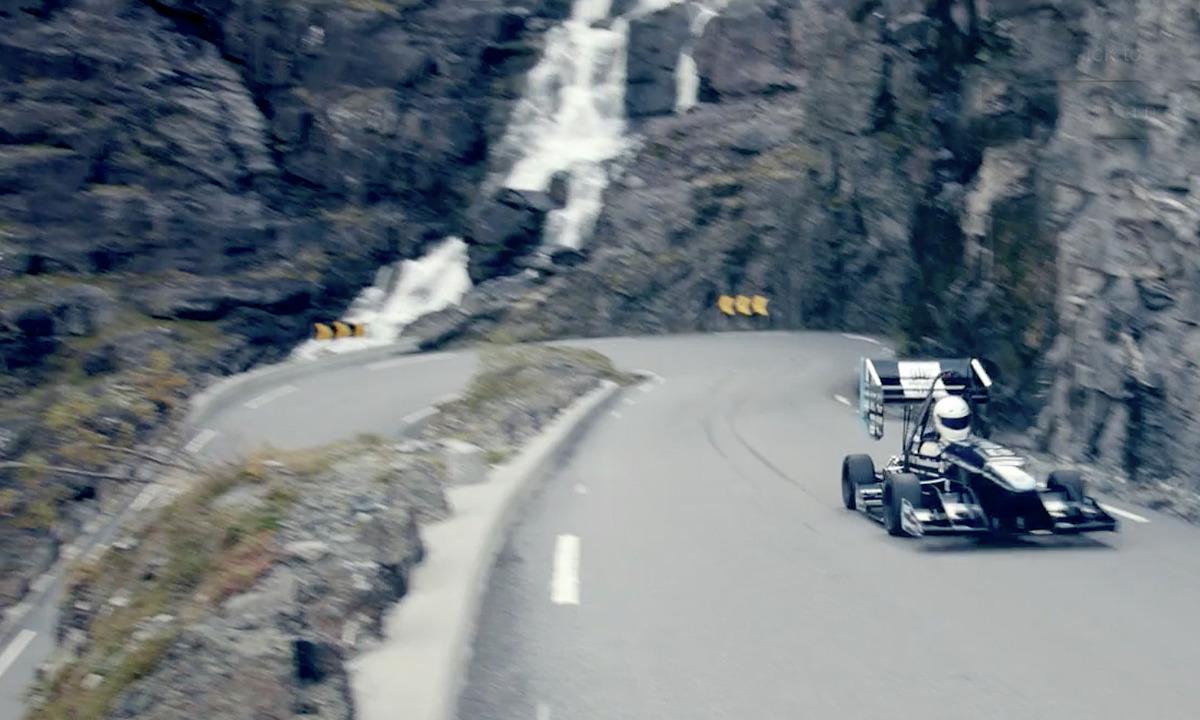 Se Revolves elektriske racerbilstunt i Trollstigen
