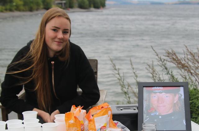 Bjørk Margrete hadde mor Margrete ved sin siden ved Mjøsa onsdag.