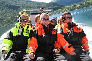 Rib båt er en naturopplevelse med høy fart og mye spenning!