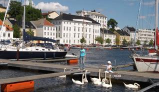 Besøk Norges høyeste og nest største trehus, Arendal gamle rådhus fra 1812-15 - Foto: Peder Austrud, Visit Sørlandet