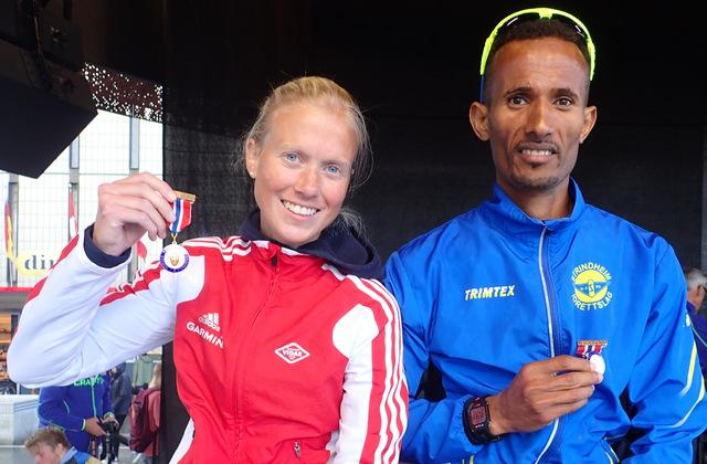 NM-vinnere: Marthe Katrine Myhre og Ebrahim Abdulaziz er regjerende norgesmestere på maraton etter dagens seier i Trondheim Maraton. Foto: Marianne Røhme