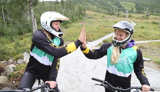 Try downhill biking in Geilo Downhill Park - Photo: Nils Erik Bjørkholt
