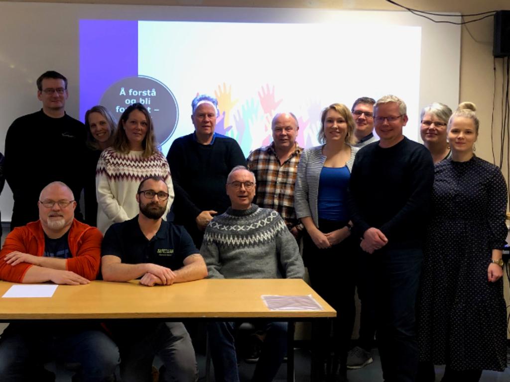 Foto av deltakarane på fagdag om fleirspråklegheit i yrkesfagleg opplæring i desember 2019.