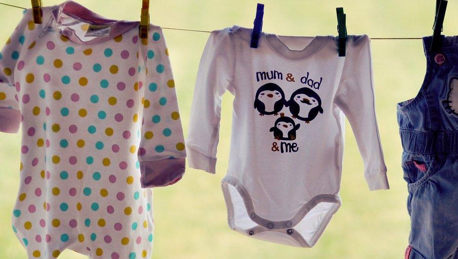 Barnkläder på tork