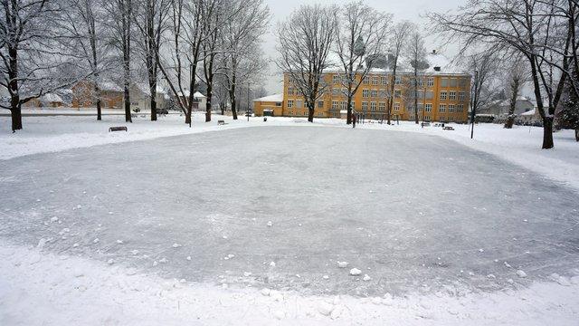 Isflate Volla skole