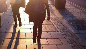 fotgängare i solen