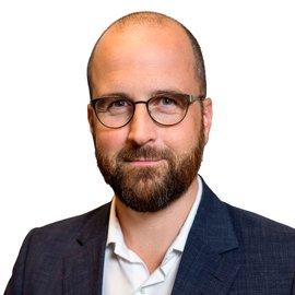 Kristian Hultqvist, Kommunikationschef