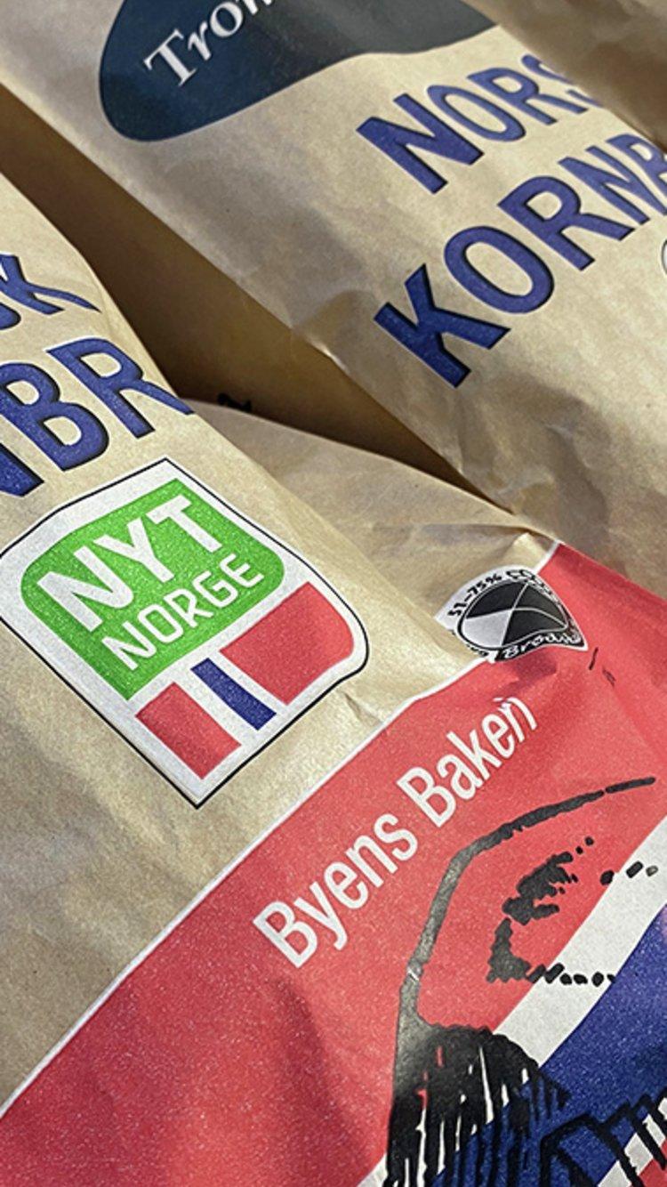 Brød merket med Nyt Norge