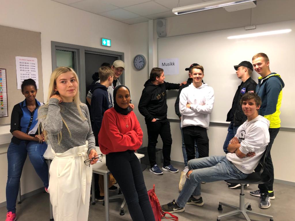 Foto av lærlingar på lærlingsamling i Sogndal i oktober 2019.