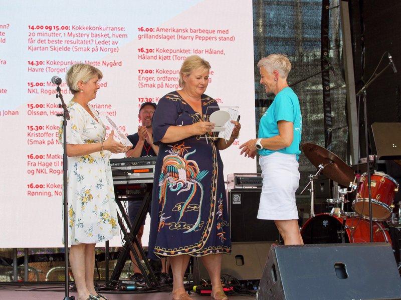 erna solberg , elisabeth grønvik, nina sundqvist