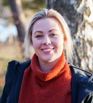 Kine Bjølsen Opstad, dyrepleier og ansvarlig for hundeforsikring i If. Foto: Gunhild Gjølstad/If