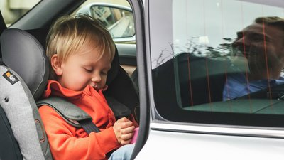 Bakåtvänd bilbarnstol