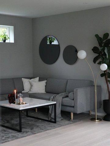 Fargen 1269 Demring er beholdt på soverommet og stuen oppe.