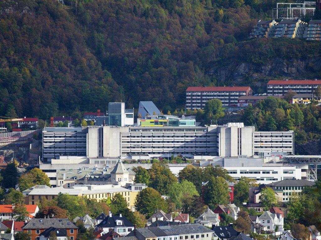 Oversynsbilete over Haukeland sjukehus i Bergen