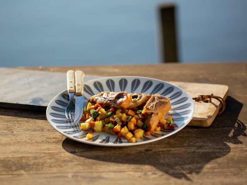 Pinnasteik fra Smakslandet med rotgrønnsaker