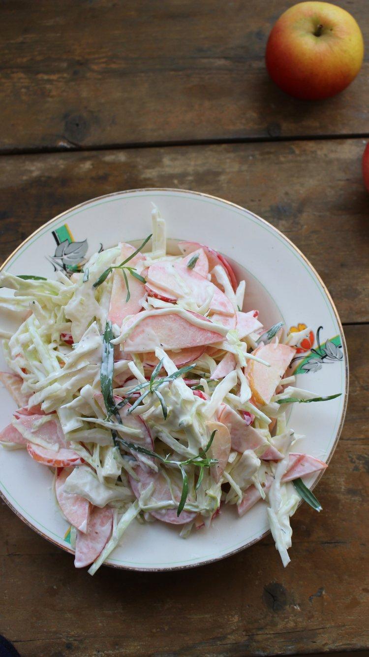 Eple og kålsalat