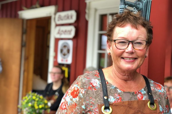 Astrid Aasen som driver Gangstad Gårdsysteri