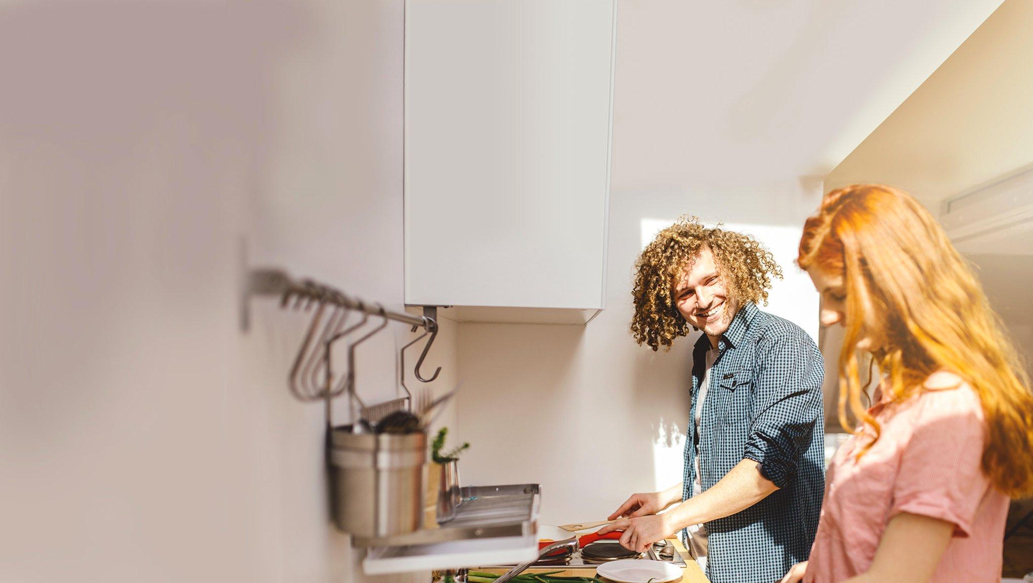 personer i köket