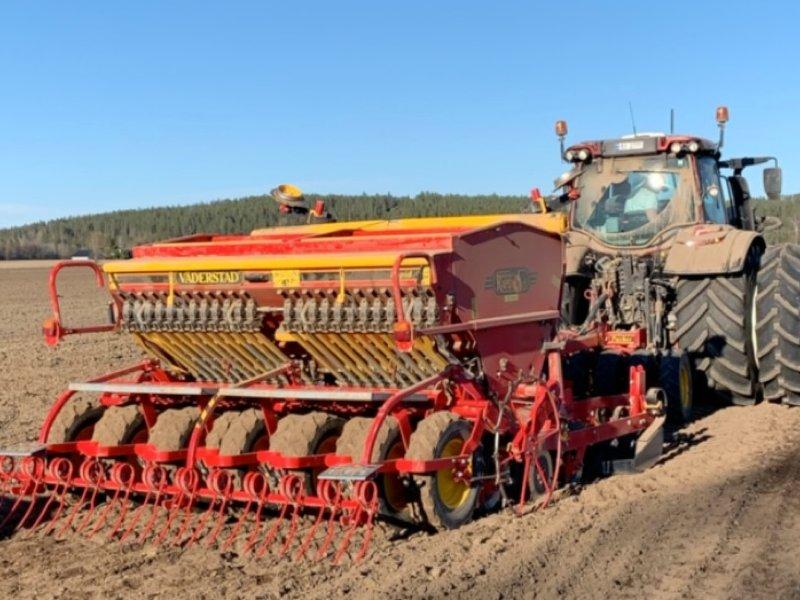 Slik gjør bonden jorda klar til bruk!