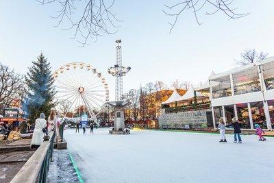 "VisitOSLO s image bank - Photos of Oslo Christmas Market ""Jul i Vinter"""