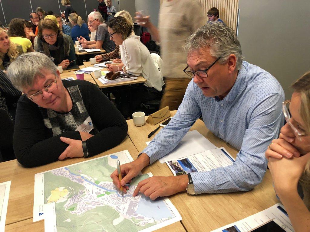 Foto frå gruppearbeid under plansamlinga i Sogndal i oktober 2019.
