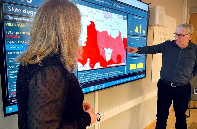 Kommuneoverlege Are Løken og fag- og kvalitetsutvikler i Helse og omsorg, Kristin Woxen, mars 2021