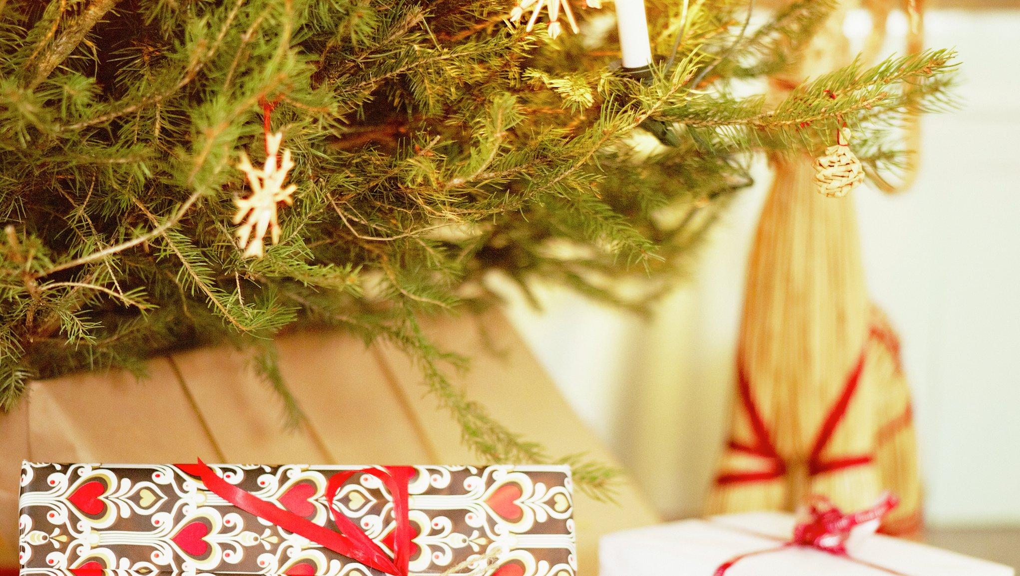 Julgran och julklappar