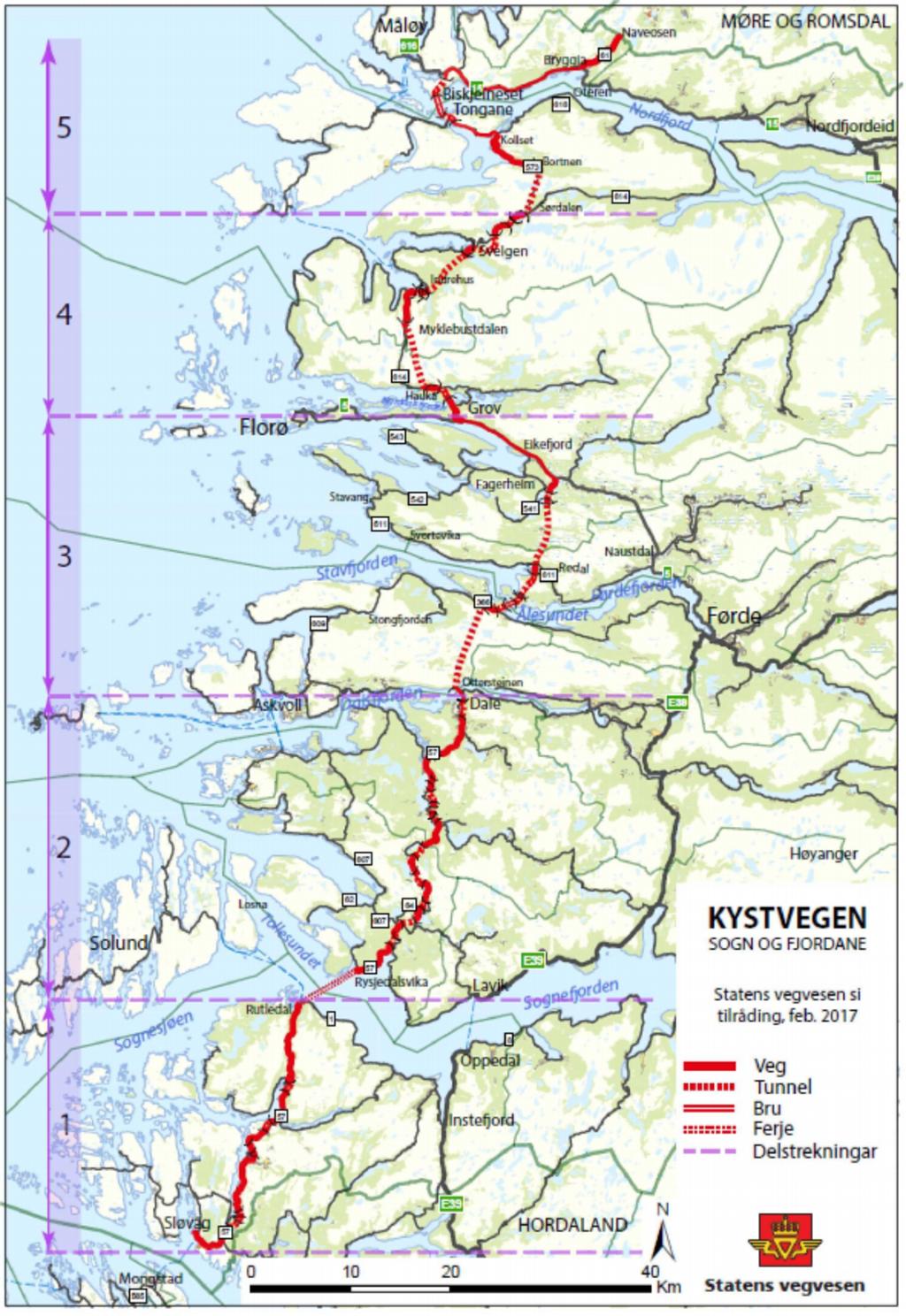 Kart som syner kysten av Sogn og Fjordane. Det er teikna inn kvar Statens vegvesen meiner kystvegen gjennom fylket bør gå per november 2017.
