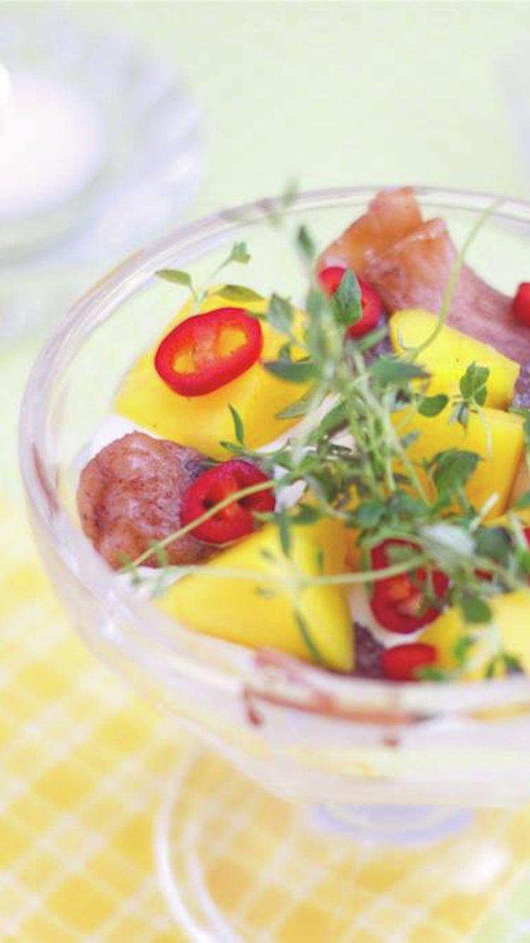 Juviksild med mango og chili. Foto: Juviksild.