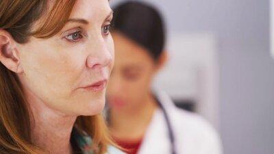 Person som blir undersøkt av legen