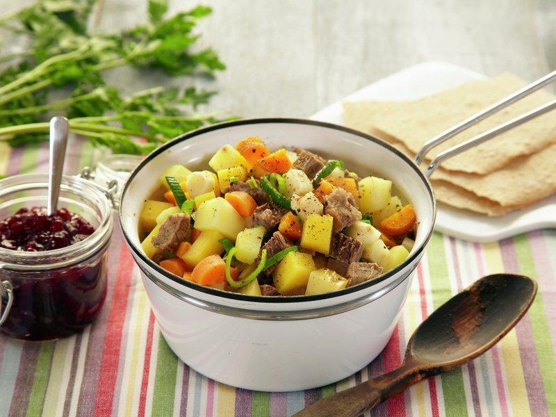 Bærekraft i ei gryte: Lapskaus er en fin måte å ta i bruk alle slags grønnsaker og rester på. Foto: Frukt.no