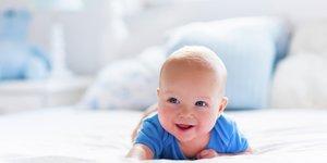 Bebis på mage