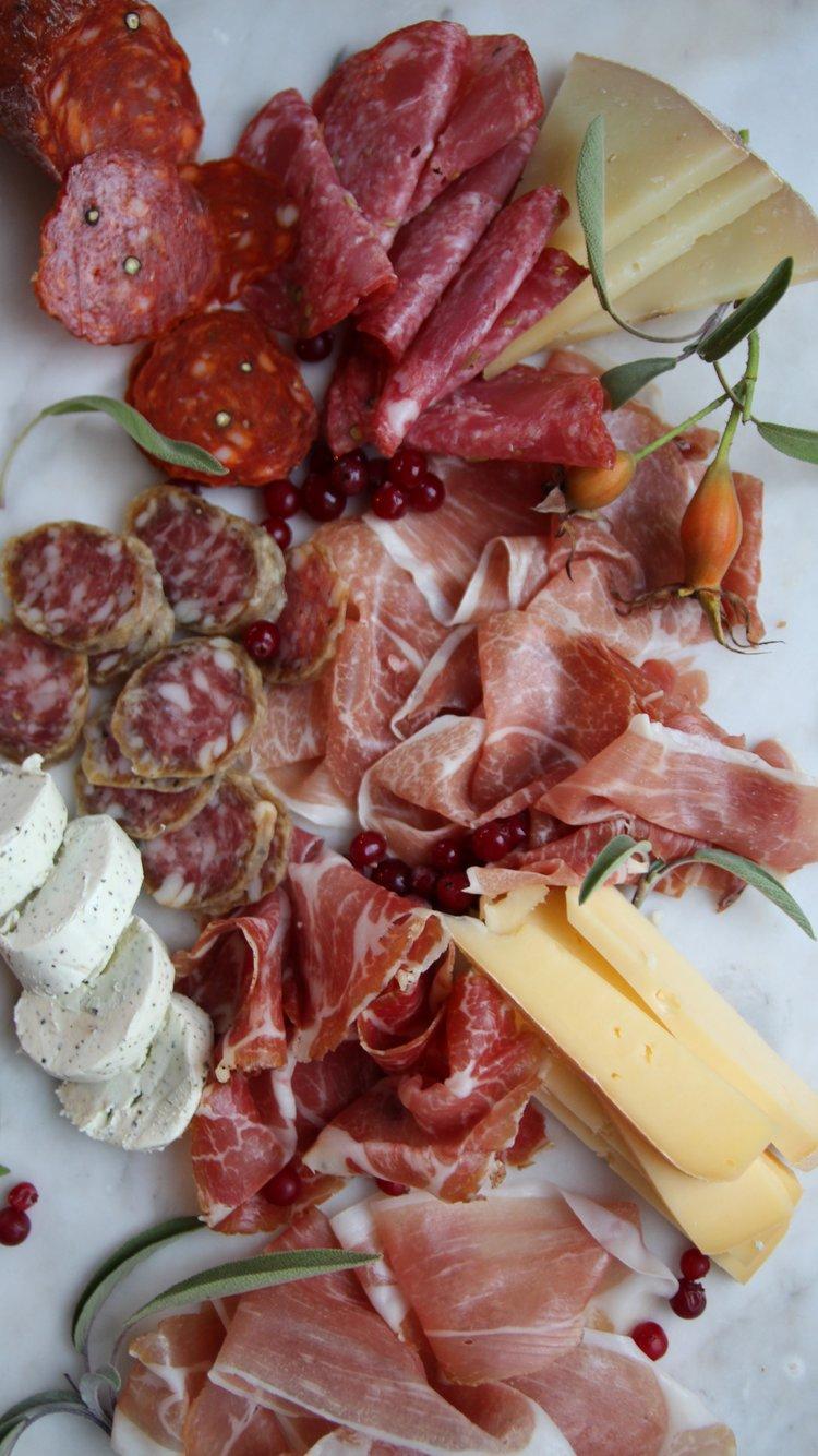 Spekematfat med norske oster