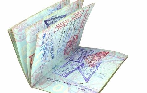 Flere forskjellige stempler i et uspesifikt pass