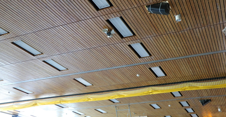 Skifte av belysning i Nadderudhallen