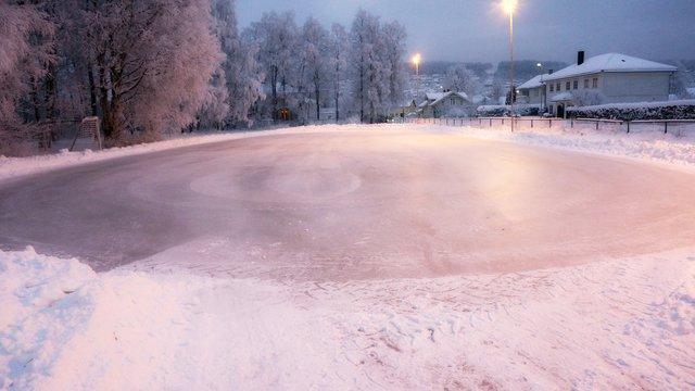 Isflate Øyerens plass