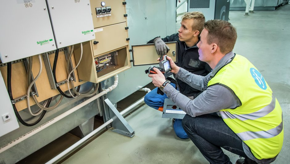 men doing electrical maintenance