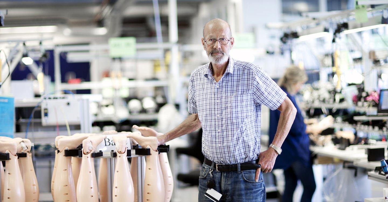 Jan Jacobsen, vedlikeholdsleder hos Laerdal Medical